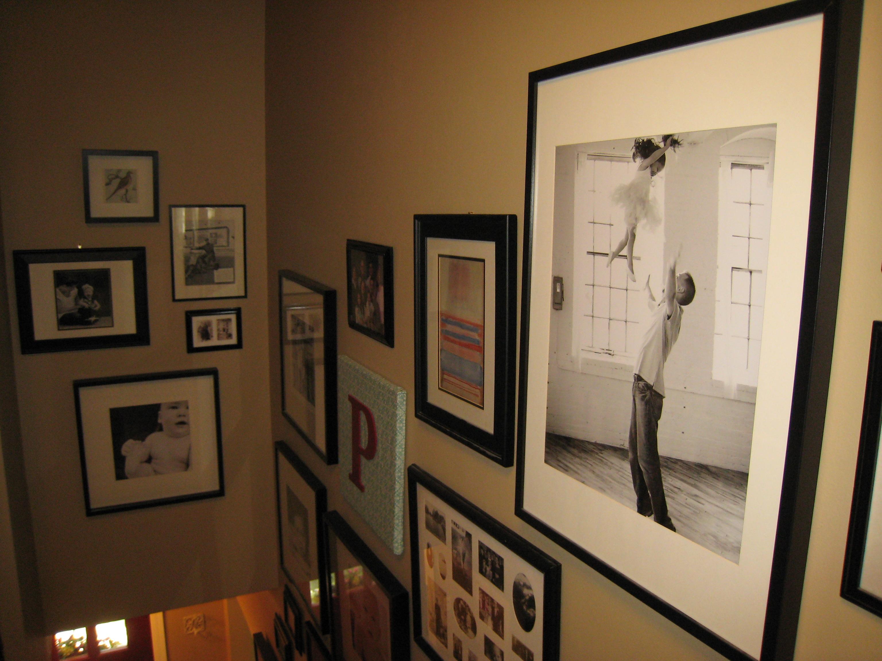 Arranging photos on a wall - Image